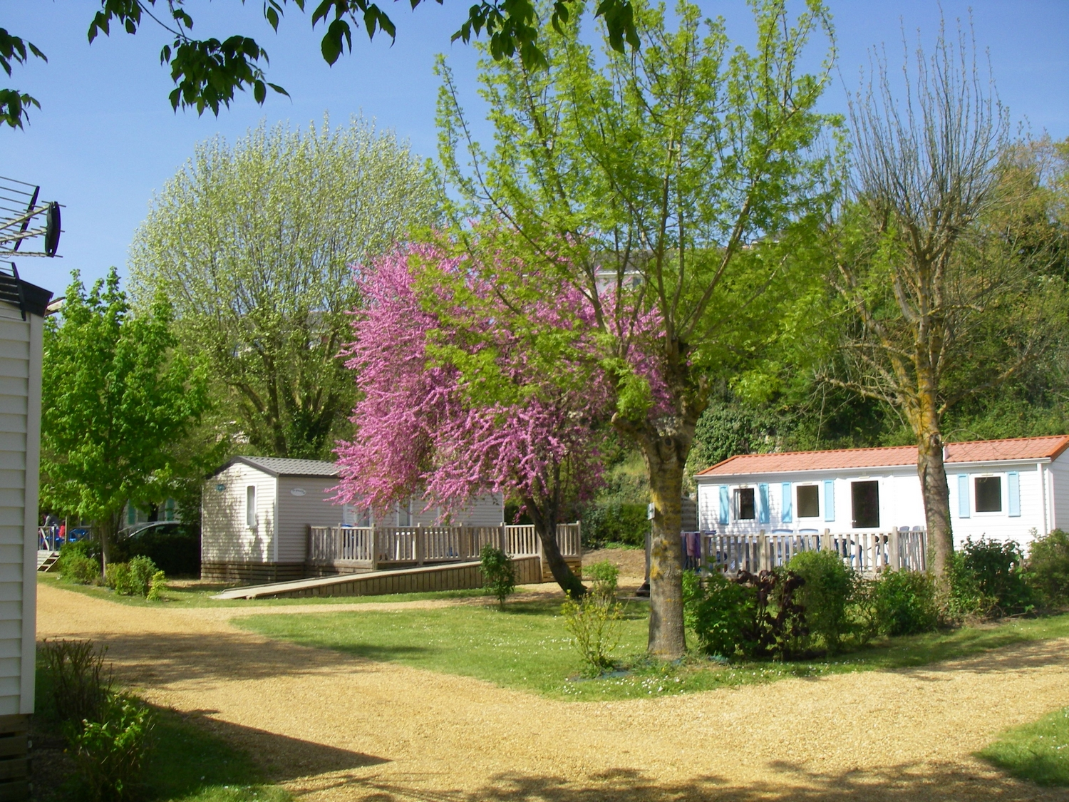 Mobil-home 8 personnes a Durtal - Camping 3 etoiles